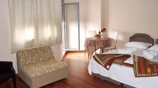 Apartments Oaza 2 | 1/2+1 studio | Petrovac Montenegro | Mornar Travel