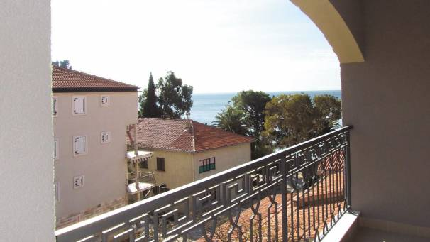 Apartments Oaza 2 | family apartment | Petrovac Montenegro | Mornar Travel