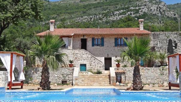 Talici Hill rustic villa | Sutomore | Mornar Travel
