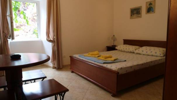 Apartments Dragovic | Studio 1/2 | Obala bb | Petrovac | Mornar Travel | Montenegro