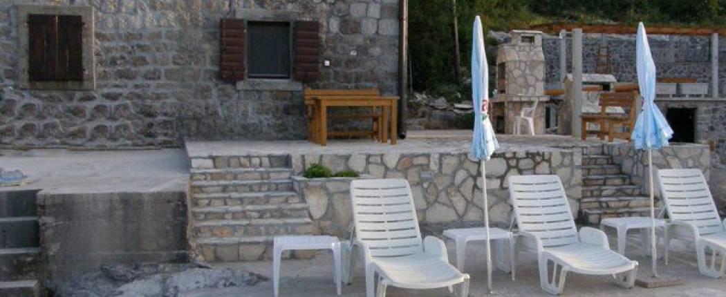 Stone house by the sea Radovići, beach 2.