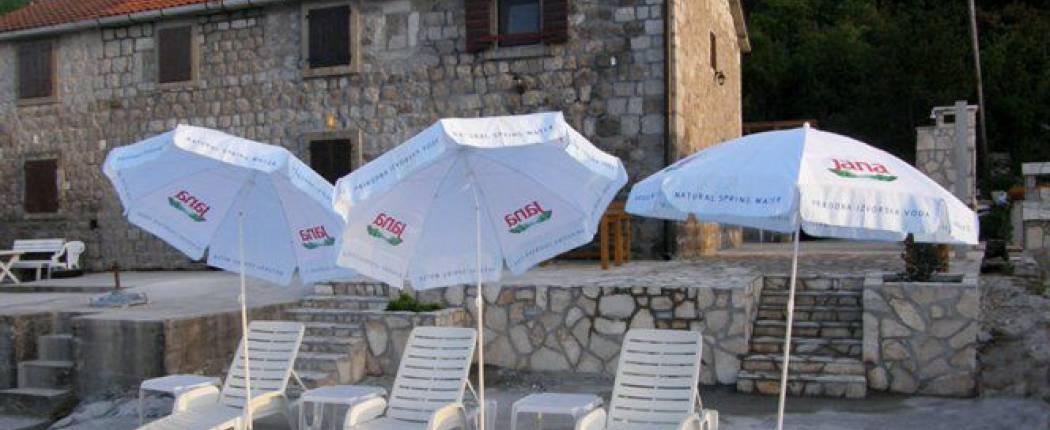 Stone house by the sea Radovići, beach 4.