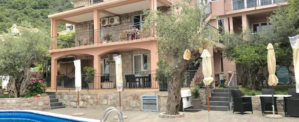 Apartments Kentera Sveti Stefan | Montenegro | CipaTravel