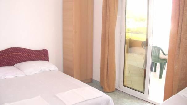 Doni | Room 1/3 Room Economy | Velika plaža | Ulcinj | Mornar Travel | Montenegro
