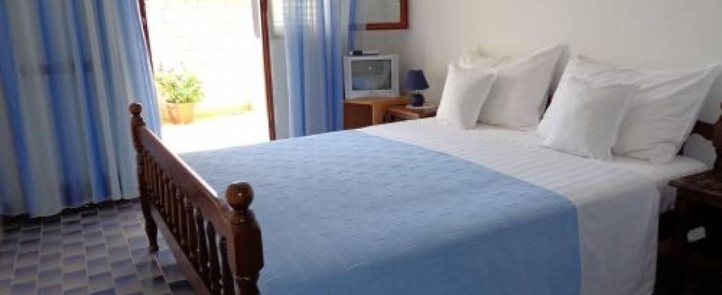 Apartments Leut Sveti Stefan | Cipa Travel