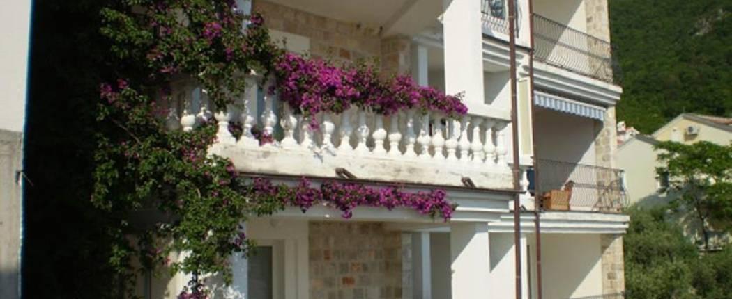 Apartments Leut Sveti Stefan   Cipa Travel