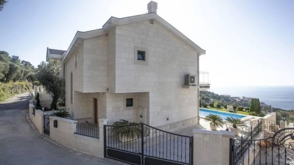 VILA LUX | Apartment Villa with pool | Rezevici | Mornar Travel | Montenegro