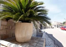 Baron Apartments Sveti Stefan | Cipa Travel