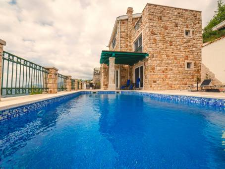 Stone Holiday Home With Pool
