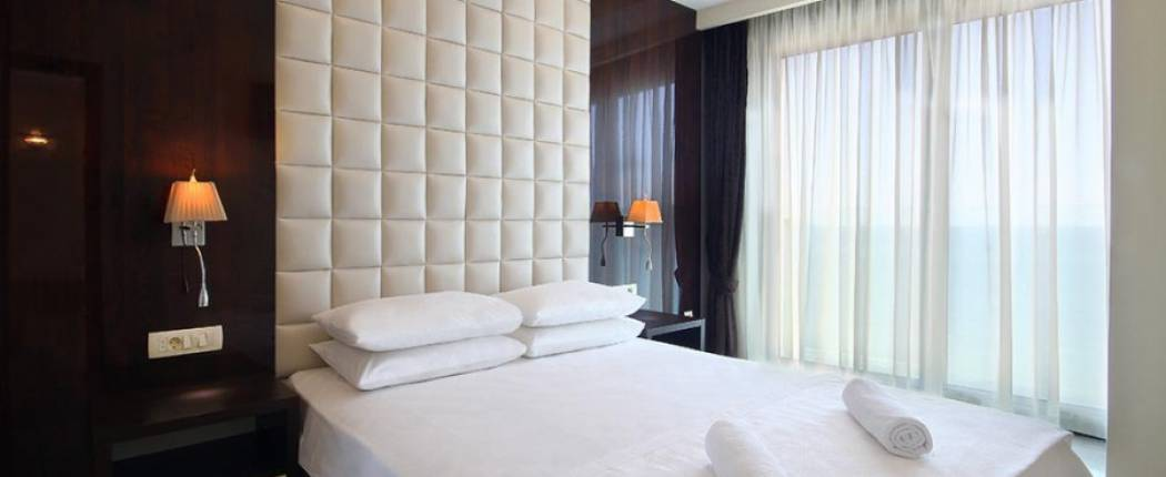 Shine Hotel