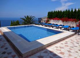 Flower Holiday Home Rezevici | Montenegro | Cipa Travel