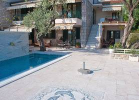 Holiday House Stevan Sveti Stefan | Cipa Travel