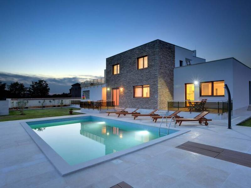 Holiday house with pool in Medulin, Istria