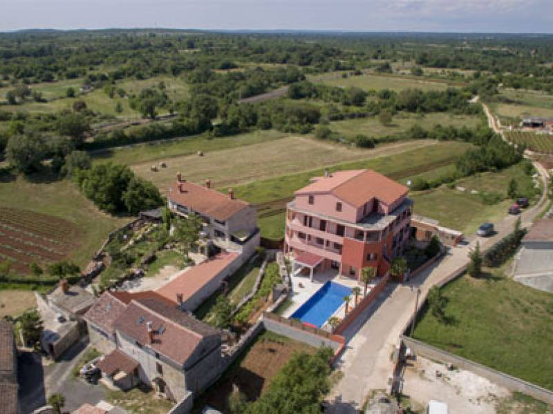 Apartment with pool in central Istria,  Cabrunici