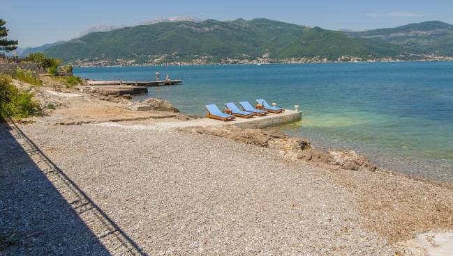 Sea Star Villa Krasici Lustica Montenegro Apolotours