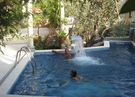 Apartments Levantin Inn | Sveti Stefan | Montenegro | CipaTravel