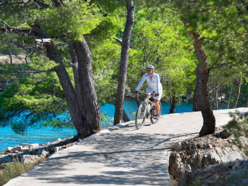 Explore Rogoznica with bike in 5 days!