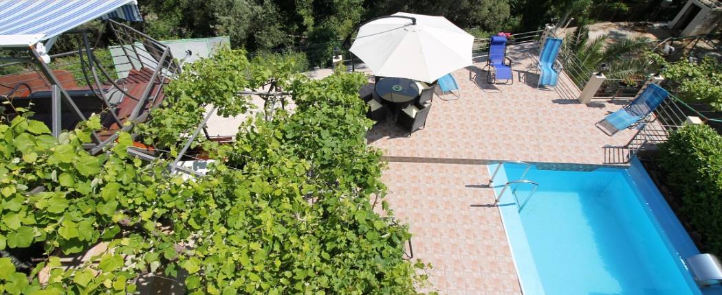 Mendy Holiday Home With Pool