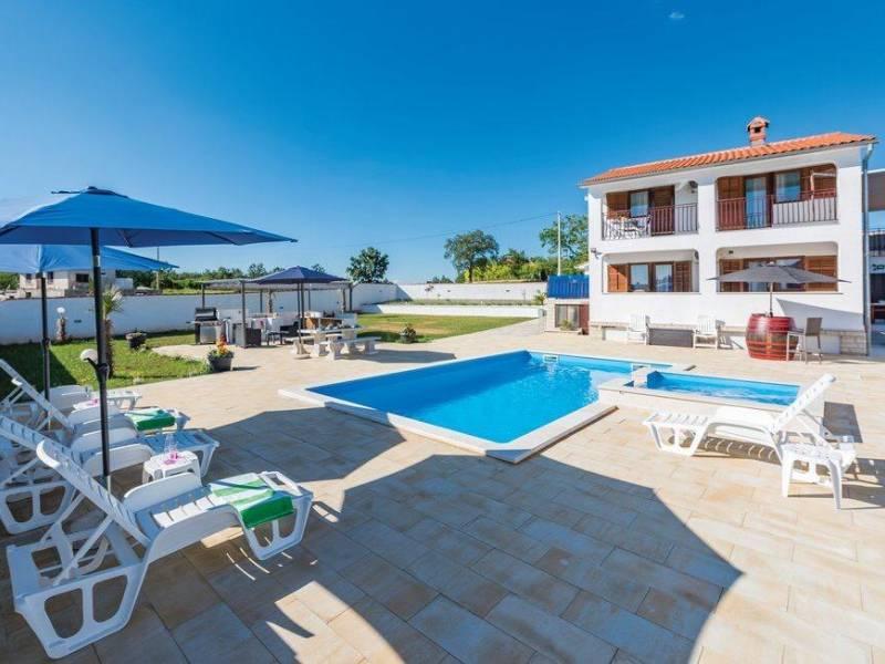 Počitniška hiša z bazenom v Žminju, Istra, Hrvaška