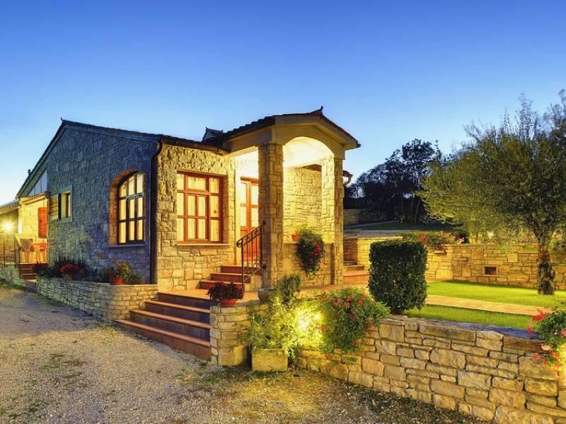 Dom z kamienia Rakalj, Pula, Istria, Chorwacja