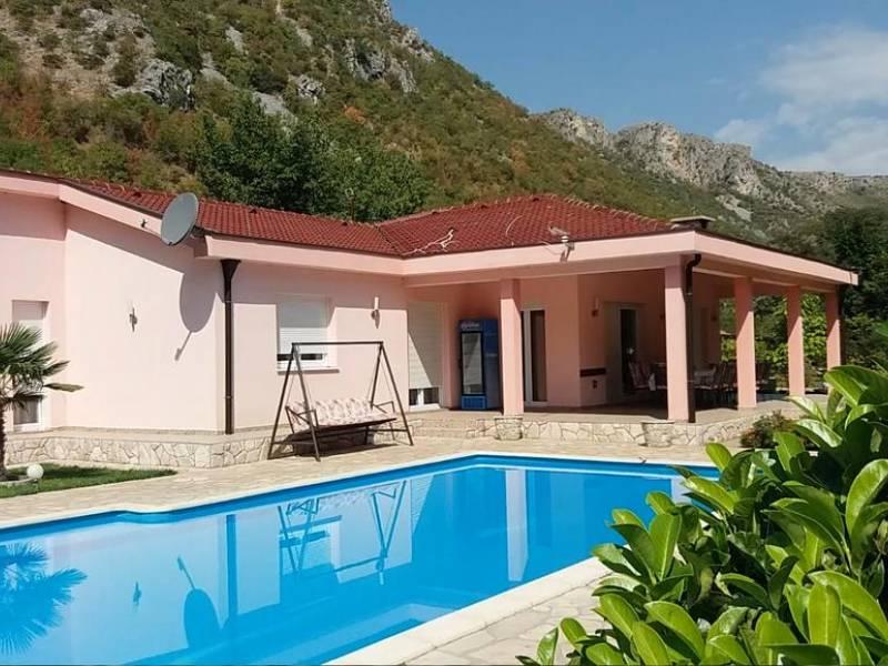 Holiday house with pool, Buna, Mostar, Bosnia and Herzegovina