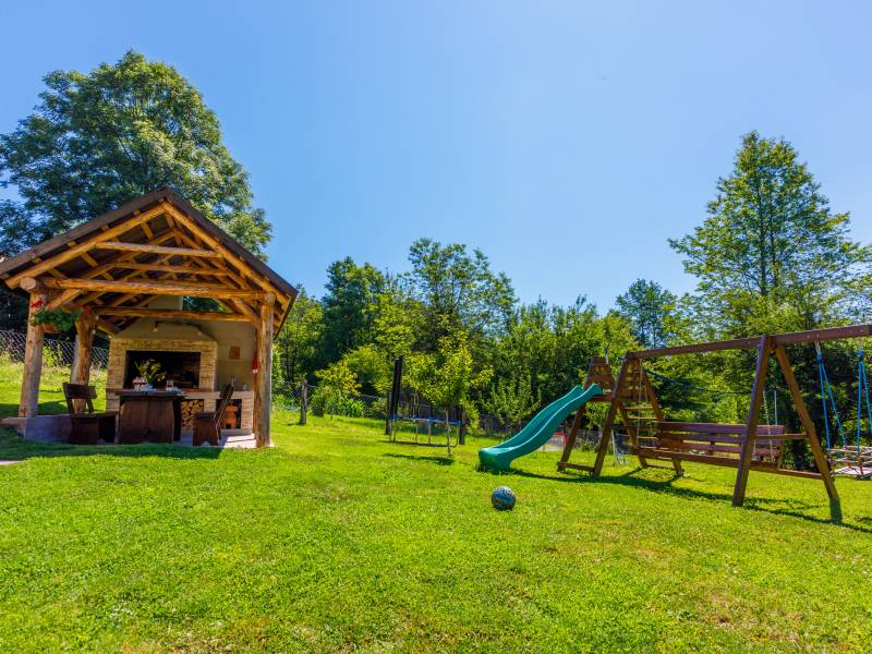 Kuća za odmor s unutarnjim bazenom Dolina, Moravice, Vrbovsko, Gorski kotar i Lika, Hrvatska