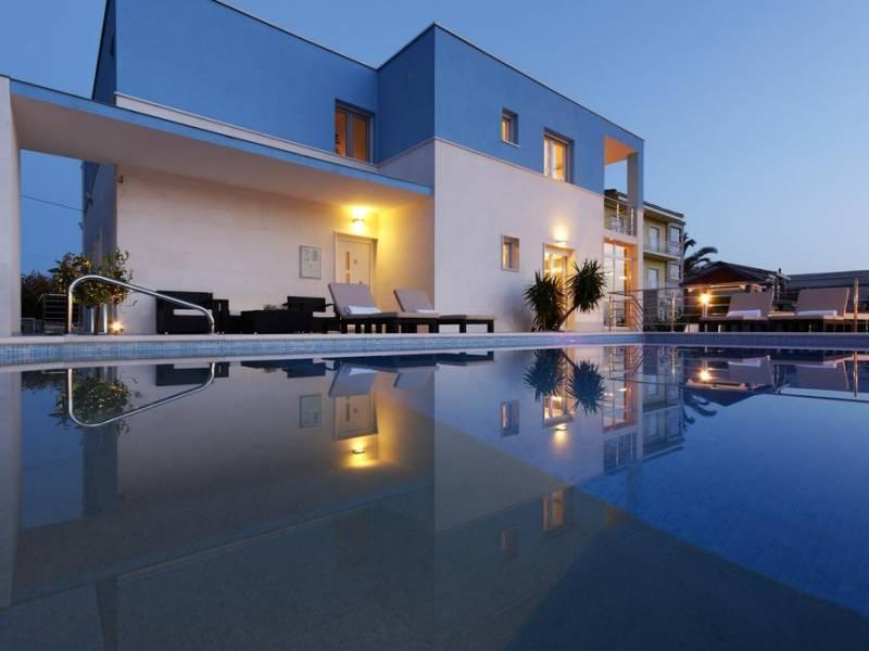 Luxusvilla mit Pool und Fitness, Podstrana, Split, Dalmatien, Kroatien