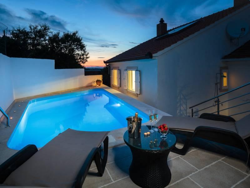 Villa avec piscine, Nerezisca, île de Brač, Dalmatie, Croatie