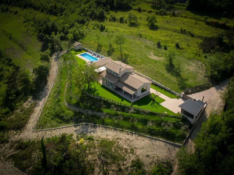 Luksuzna Villa Augustina s bazenom, Grožnjan, Istra, Hrvatska Pogled iz ptičije perspektive na imanje