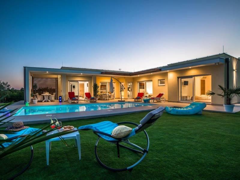 Villa with private heated pool in central Istria, near Svetvincenat, Croatia