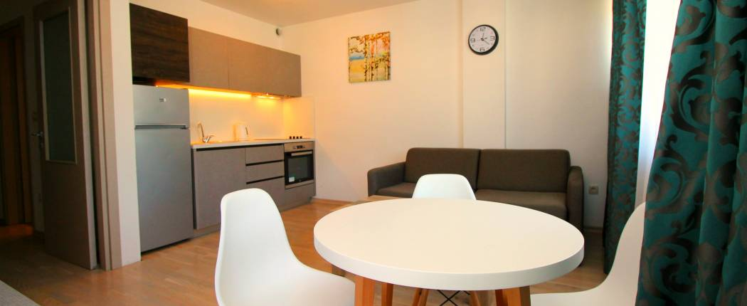 CITY CENTRE One Bedroom Apartment