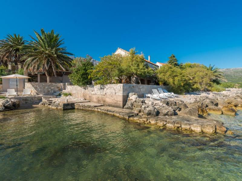Hiša Orebić z bazenom, direktno na moru, Dalmacija, Hrvaška