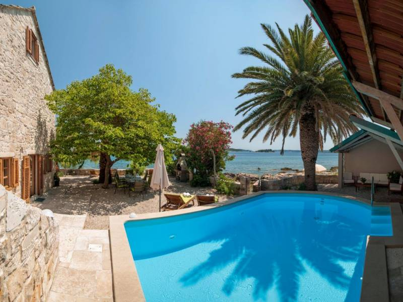 Villa Orebic with pool, direct at the sea, Dalmatia, Croatia