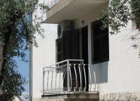 apartments sana sveti stefan, balcony