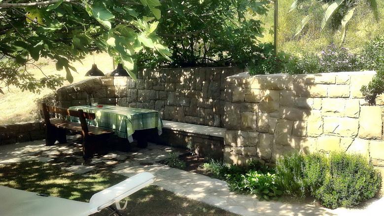Apartmani Blanka, Banjol, otok Rab, Hrvatska Eigener Garten für FeWo A4 mit Grill