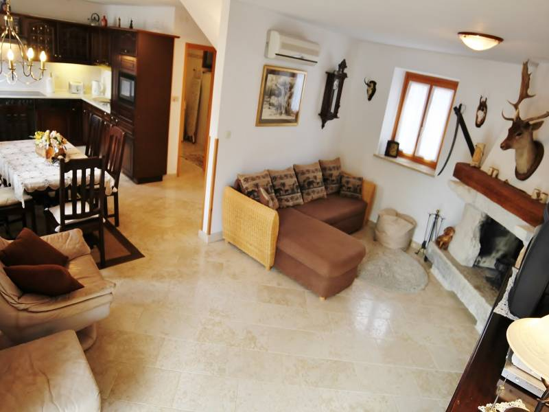 Holiday houses with shared pool, Kanfanar, Istria, Croatia Miriam