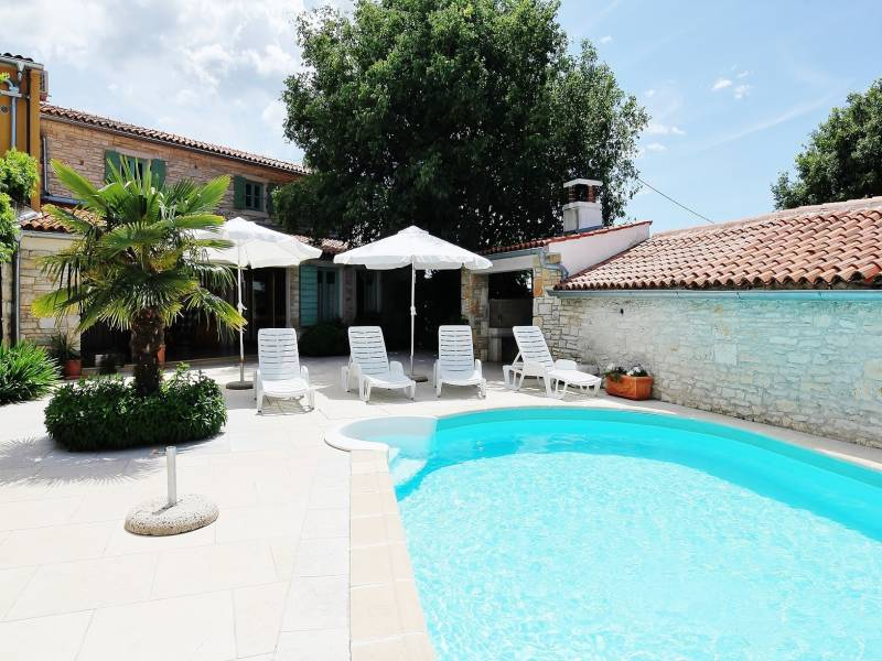 Holiday houses with shared pool, Kanfanar, Istria, Croatia Domagoj