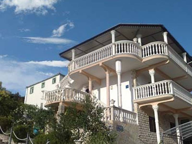 Apartments Grebaštica, 100 m from the sea
