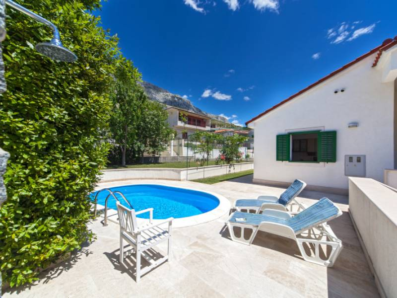House with pool in Dugi Rat, Omis, Dalmatia, Croatia