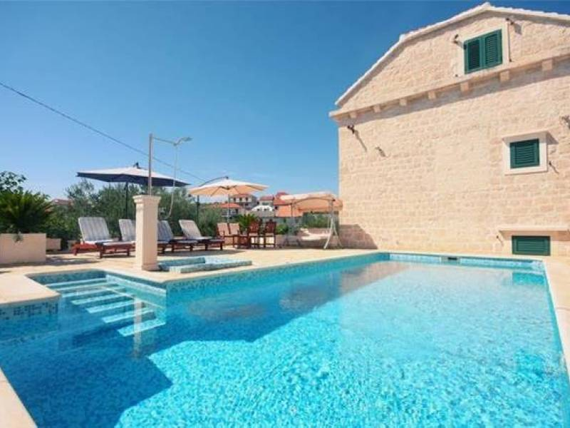 House in the center of Sumartin with pool, island Brac, Dalmatia, Croatia