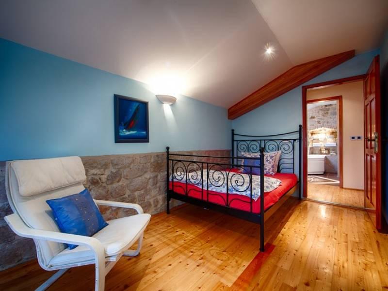 Počitniška hiša Komiza, Otok Vis, Dalmacija, Hrvaška Double room - second floor