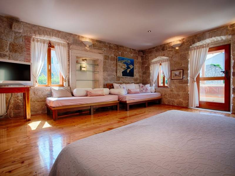Počitniška hiša Komiza, Otok Vis, Dalmacija, Hrvaška Masterbedroom first floor
