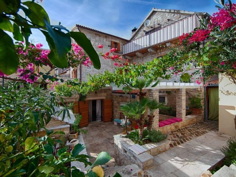 Počitniška hiša Komiza, Otok Vis, Dalmacija, Hrvaška Garden ground floor
