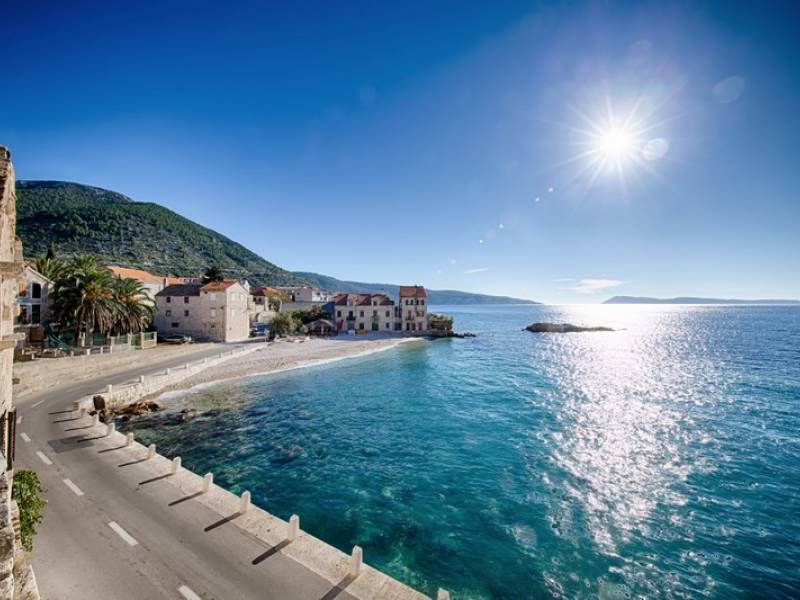 Počitniška hiša Komiza, Otok Vis, Dalmacija, Hrvaška Beach - 30m away