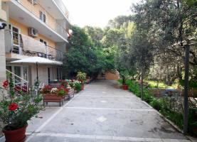 Apartments Sara Lux Sveti Stefan 2