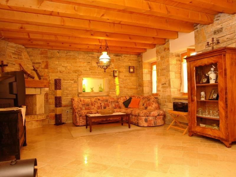 Počitiške hiše s skupnim bazenom, Burići, Kanfanar, Istra, Hrvaška Valentina