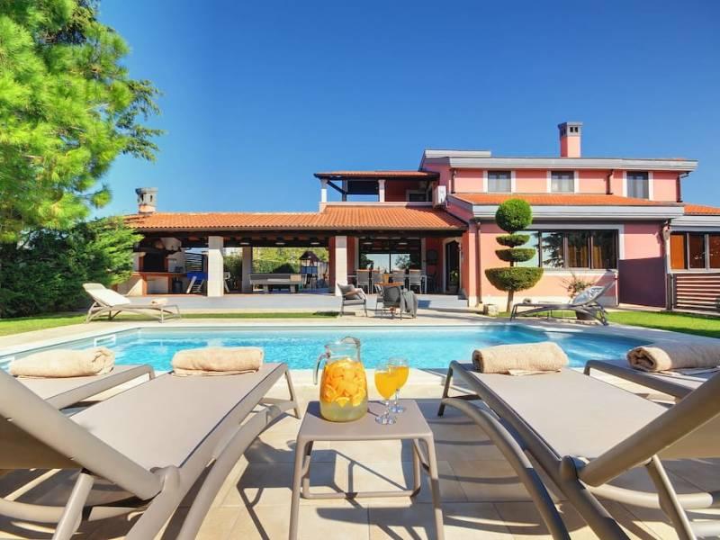 Počitniška hiša z bazenom Veli Vrh, Pula, Istra