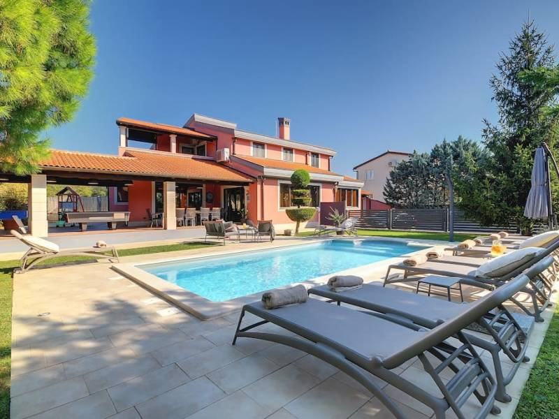 Holiday house with pool Veli Vrh, Pula, Istria