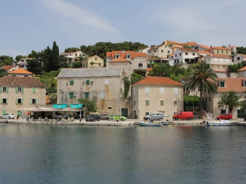 Hiša z bazenom Splitska, otok Brač, Dalmacija, Hrvaška