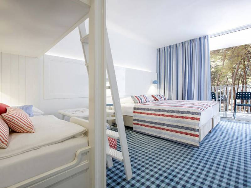 Amadria Park Kids Hotel Andrija ex Solaris, Sibenik, Dalmatia, Croatia Double room with bunk bed